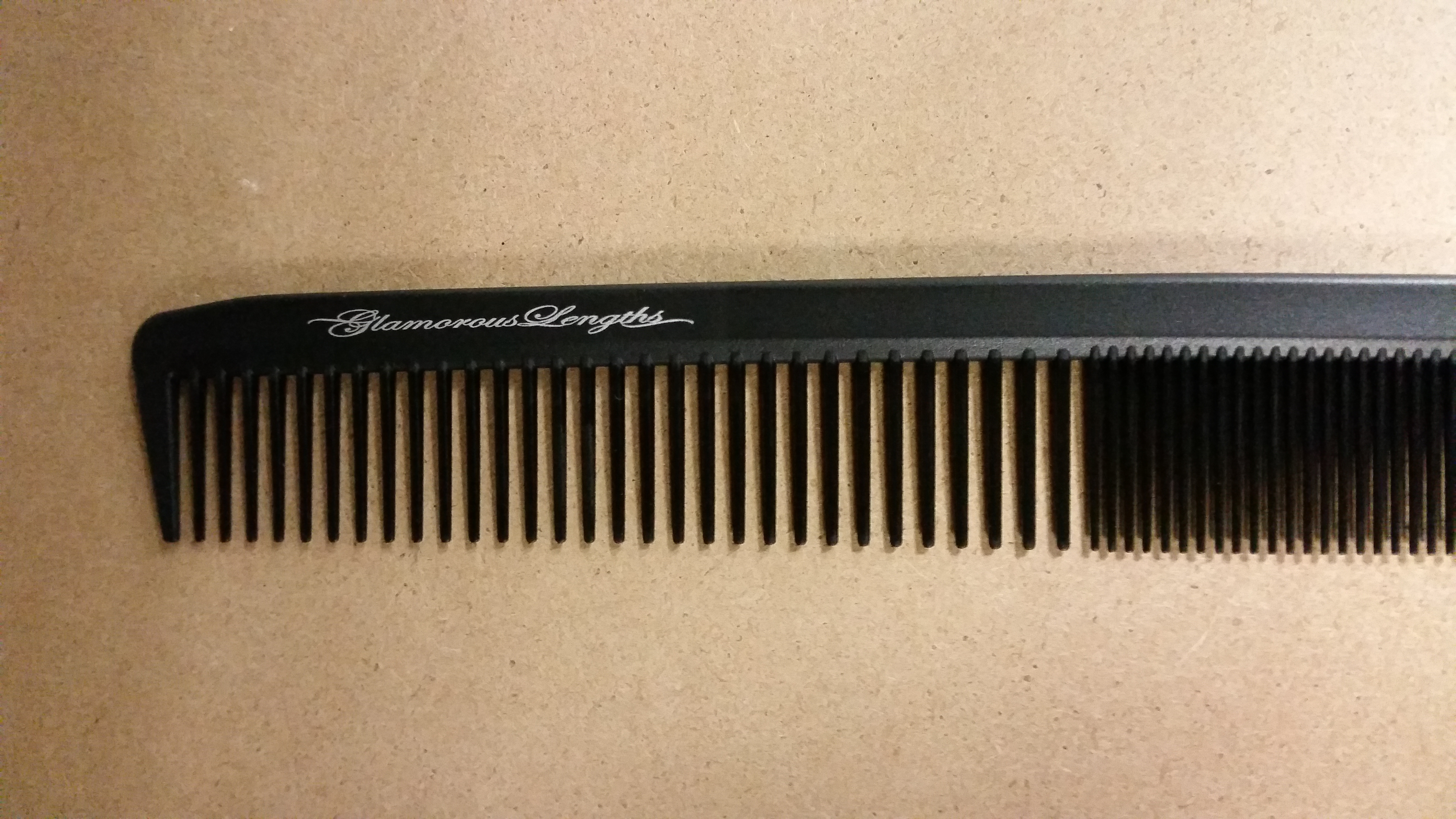GLAMOROUS LENGTHS CUTTING COMB